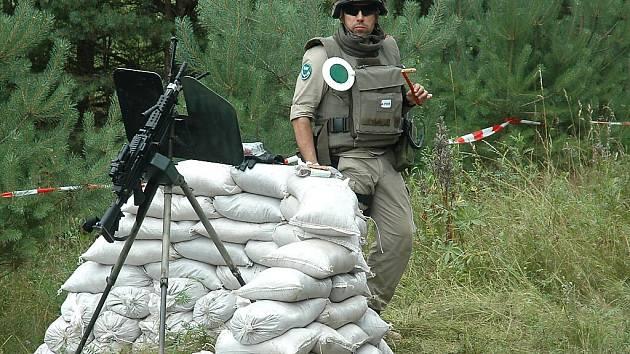 Po celý víkend probíhala na území bývalého vojenského újezdu Ralsko airsoftová hra a velmi věrná armádní simulace Protector.