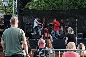 Novoborský Optimik oslavil 25 let fantastickým koncertem na českolipském hradě Lipý.