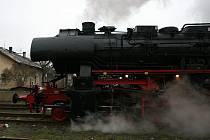 Parní lokomotiva se zastavila také v České Lípě.