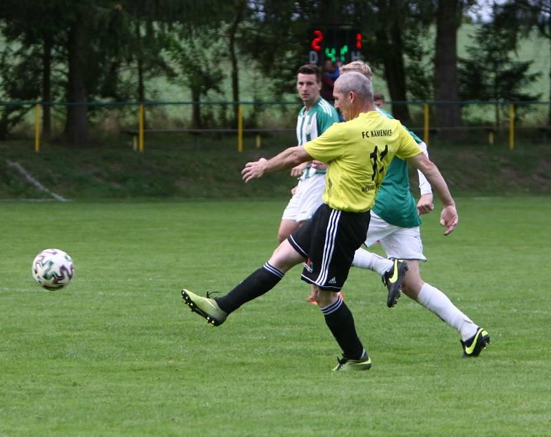 Kamenice (žlutá) - Rapid Liberec 4:2. Hruška střílí třetí branku.