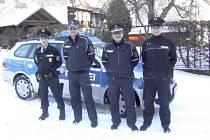 Společná služba českých a saských policistů proběhla například ve středu 6. února v odpoledních hodinách. Během šestihodinové služby se tentokrát zaměřili na lyžařský areál v německém  Waltersdorfu a na jeho okolí.