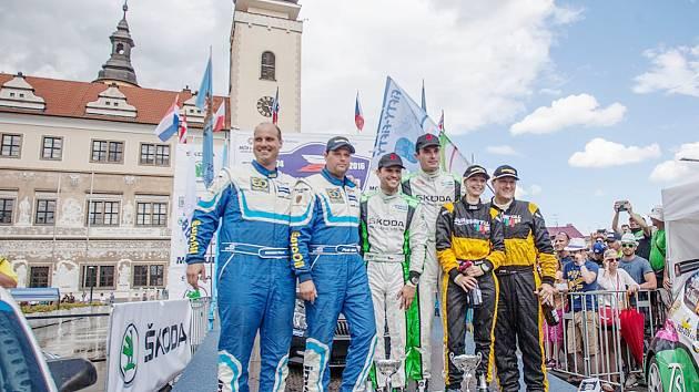 Stupně vítězů letošní Rally Bohemia.