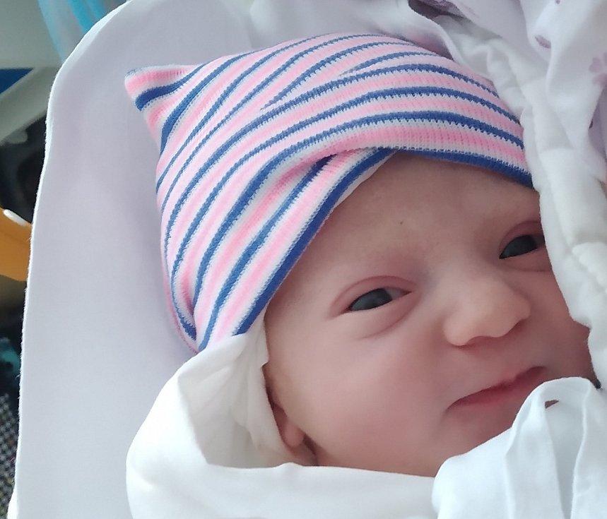 Rodičům Tereze Takáč Kamínkové a Stanislavu Takáčovi z České Lípy se v sobotu 6. února ve 13:42 hodin narodila dcera Eliška Takáčová. Měřila 48 cm a vážila 2,84 kg.