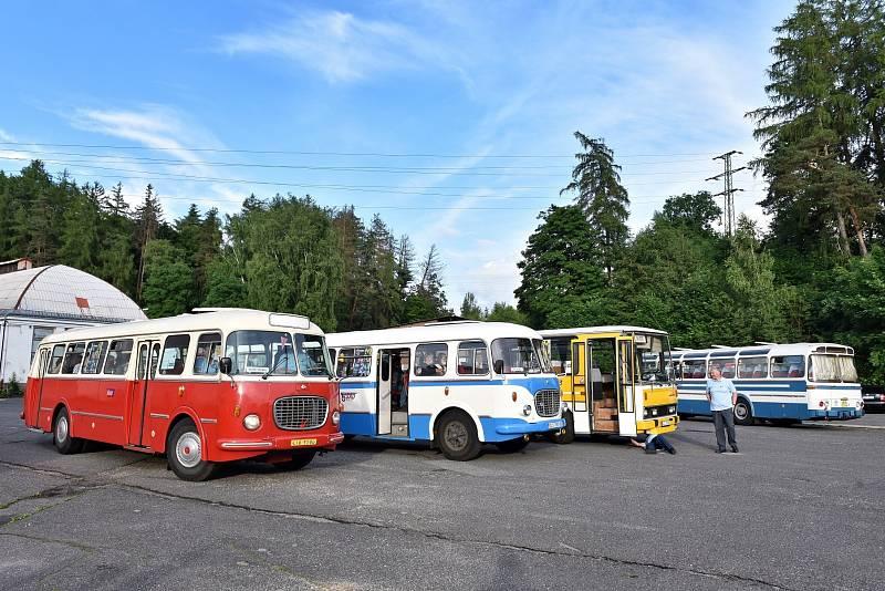 Den s historickými autobusy v České Lípě.