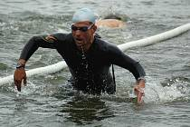 Na tradiční víceboj šestičlenných družstev se k Máchovu jezeru sjelo v letošním roce rekordních sto týmů z celé republiky.