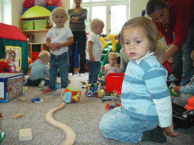 Pět dětí, taková je kapacita novoborské miniškolky, která se jako jediná v okrese i v kraji umí postarat o batolata starší jednoho roku.