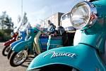 Osmičlenná skupina motorkářů se vydala na expedici s názvem Tatranem do místa zrodu. Spolu se skupinou jede i doprovodná dodávka s náhradními díly a jednou motorkou navíc.