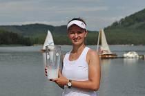 Macha Lake Open, Staré Splavy. Krejčíková porazila Siniakovou a obhájila loňský titul.