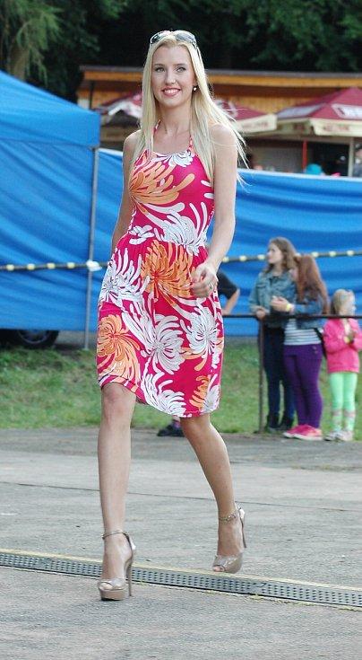 Pouť v Brništi si užily stovky návštěvníků. V programu nechyběla módní přehlídka.