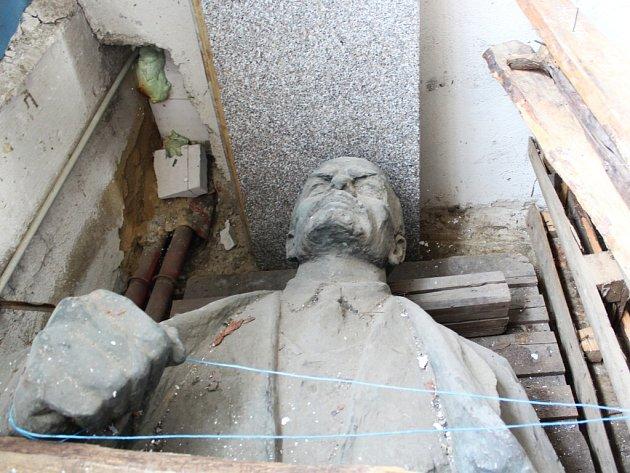 Sklad uřeky se stal Leninovi místem prozatímního odpočinku.