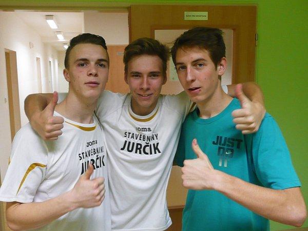 Druhé místo obsadili dorostenci TJ Doksy na turnaji vsálovém fotbale vBělé pod Bezdězem, kde se prezentovalo šest týmů.