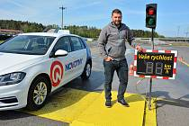 Na Autodromu v Sosnové cvičili učitelé autoškol.
