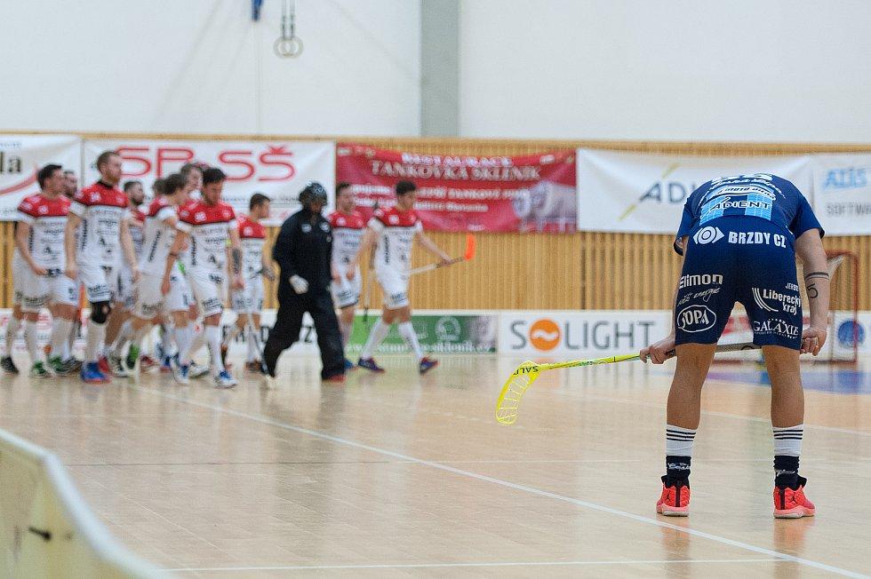 Českolipské florbalisty potrápilo Znojmo, které si odvezlo všechny tři body.