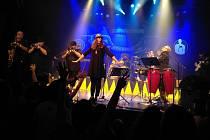 Ska kapela Sto zvířat vystoupí v rámci jarního turné v českolipském KD Crystal v pátek 31. ledna.