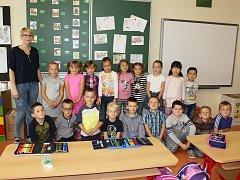 Žáci 1. D ze ZŠ 28. října Česká Lípa s paní učitelkou Janou Jíšovou.