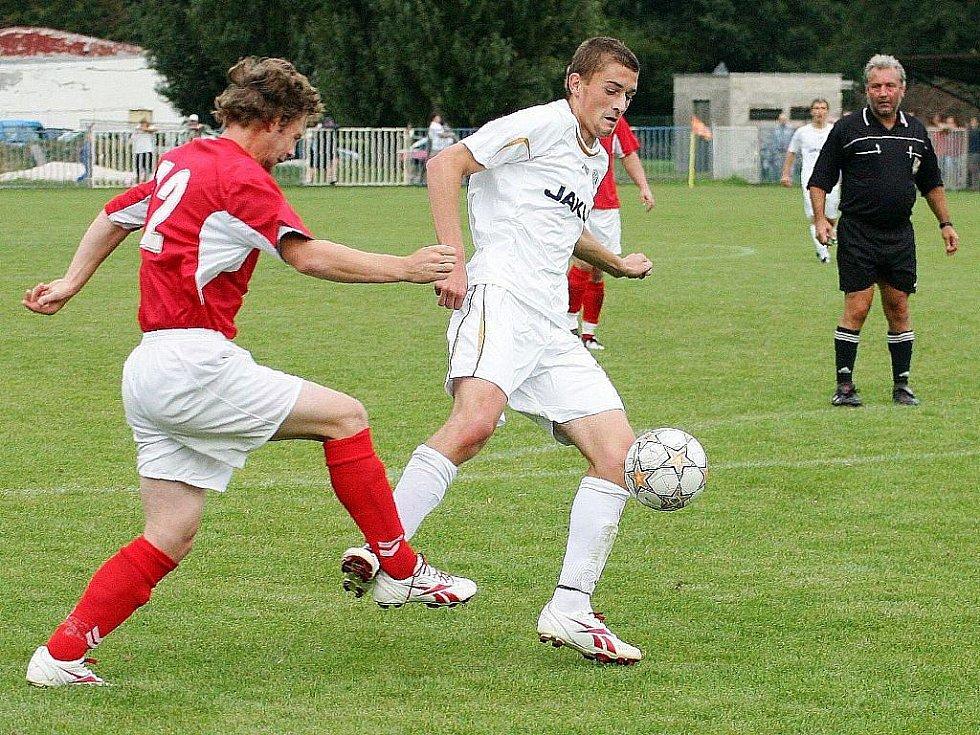 Picek se snaží utéct Hájkovi.