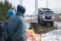 Dakar Setkání přilákalo na Autodrom v Sosnové špičkové dakarské týmy, množství diváků a také velkou zimu.