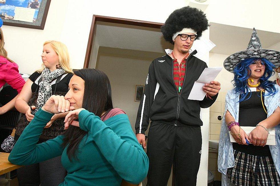 Poslední zvonění třídy Eko 4 SOŠ Lužická v České Lípě.