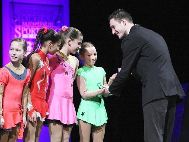Novoborským městským divadlem se ve čtvrtek ozývaly slavnostní fanfáry pro vítěze tradiční ankety Nejúspěšnější sportovec Českolipska za rok 2013.