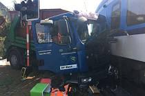 Střet vlaku a nákladního auta v Zákupech z loňského srpna.