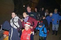 Mladí hasiči vyrazili do Skalické jeskyně.