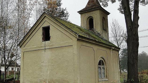 Kaple Nejsvětější Trojice v Manušicích.
