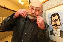Sklář, výtvarník, karikaturista i učitel Jan Vobr.