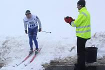 Závodům na běžkách letošní zima na Polevsku nepřeje.