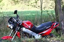 Na tomto stroji šestnáctiletý motorkář havaroval.