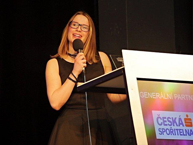 Sportovec 2015. Mezi mládežníky se z první příčky radovala karatistka českolipského klubu Sport Relax Barbora Znamenáčková.