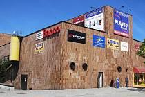 Obchodní dům Banco, dříve Uran, na nějž je demoliční výměr, řadí odborníci mezi nejvýznamnější díla Emila Přikryla.