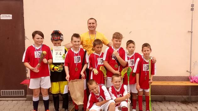 Florbalový turnaj malotřídních škol vyhrála Horní Libchava.