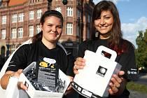 Koupit si dárkové předměty s logem Světlušky si mohli lidé v úterý 11. září hned na několika místech na Českolipsku.