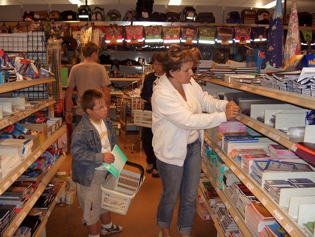Při nákupech v papírnictví