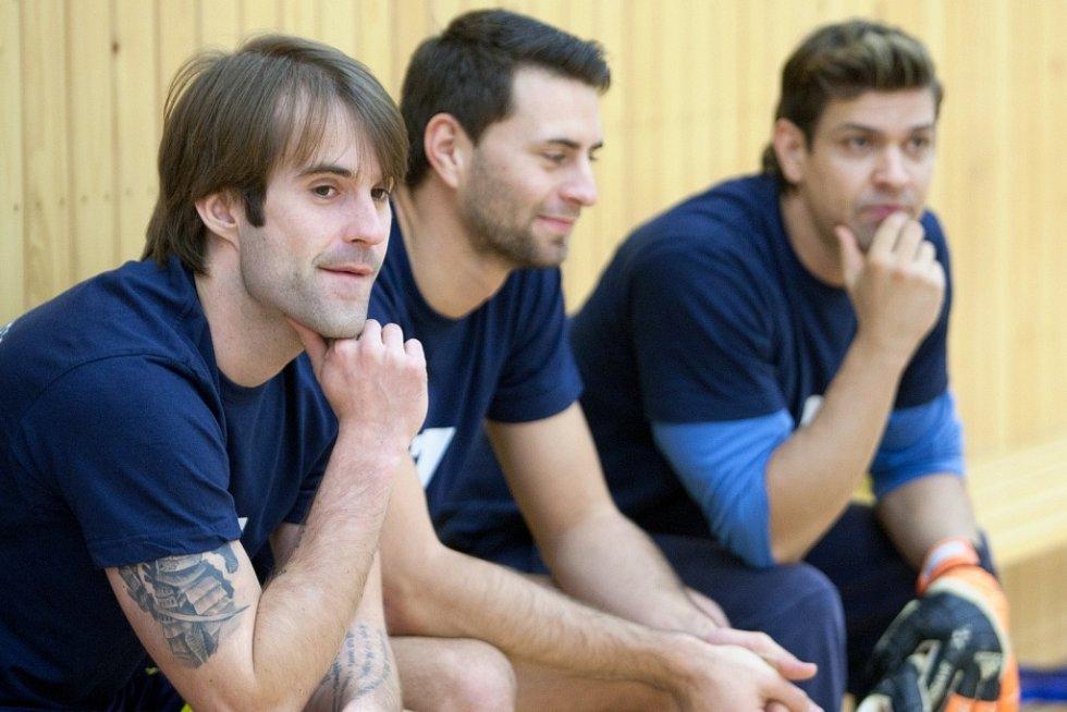 Na neděli připravila agentura Reas Agency společně s příspěvkovou organizací Sport Česká Lípa druhý ročník charitativního futsalového utkání mezi týmy Reas Česká Lípa, který hraje krajskou soutěž, a týmem celebrit.