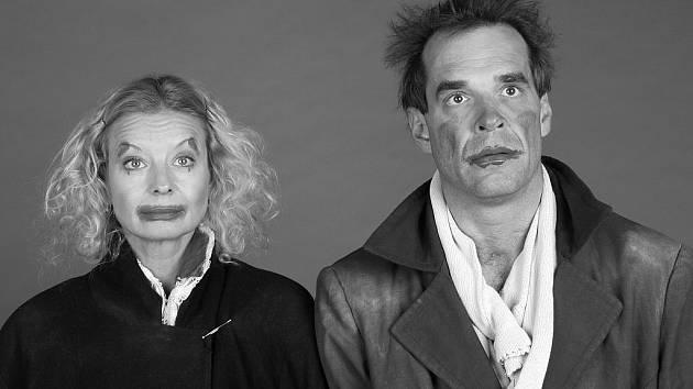 V hlavních rolích hry Všechno jen do putyk a ženským! se představí Vilma Cibulková a Miroslav Etzler.