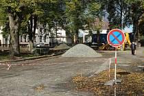 Novou tvář dostává Tyršovo náměstí u Základní umělecké školy v Doksech.