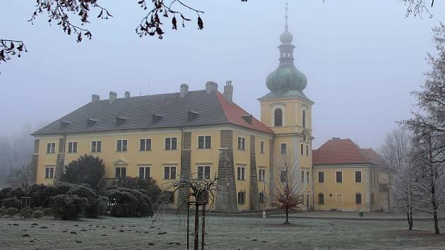 Doksy na Českolipsku získaly více než 40 milionů z fondů EU a nyní spouštějí veřejnou zakázku, jejíž vítěz na jaře tohoto roku zahájí dlouho očekávanou rekonstrukci památkově chráněného zámku.