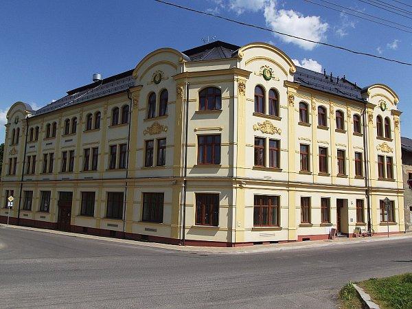 Bývalý hotel Sever ve Cvikově.