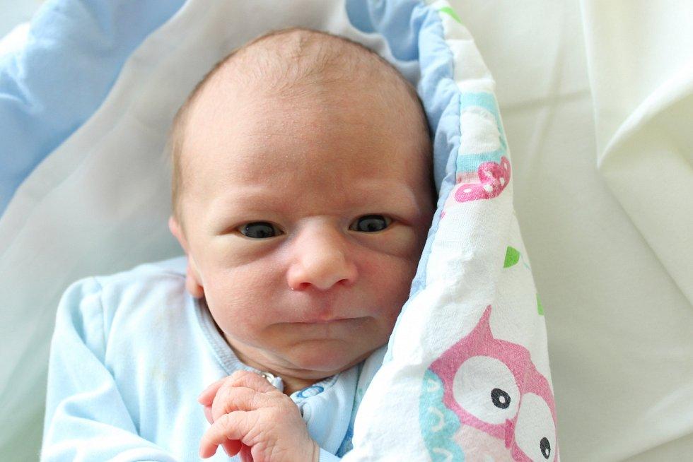 Rodičům Ludmile a Tomášovi Jančukovým z České Kamenice se v sobotu 24. srpna v 19:36 hodin narodil syn Maxim Jančuk. Měřil 48 cm a vážil 2,95 kg.
