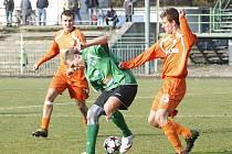 Českolipští fotbalisté předvedli na hřišti Chomutova solidní výkon, nicméně regulérní branku nevstřelili, proto odjeli s porážkou.
