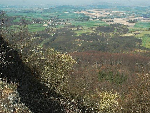 Obora Židlov se nachází v bývalém vojenském prostoru Ralsko. Založena byla v roce 2000.
