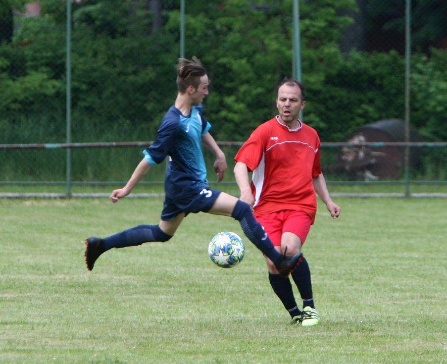 Žandov (tmavé dresy) se v červnu utkal se Spartakem Dubice. Se stejným soupeřem se střetne na konci července.