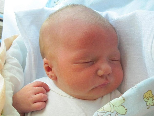 Mamince Aleně Machové ze Skalky u Doks se 7. června ve 13:29 hodin narodil syn Richard Mach. Měřil 53 cm a vážil 4,21 kg.