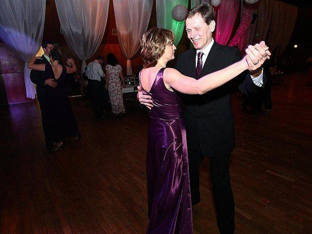 3. Květinový ples se konal v sobotu na velkém sále KD Crystal v České Lípě.
