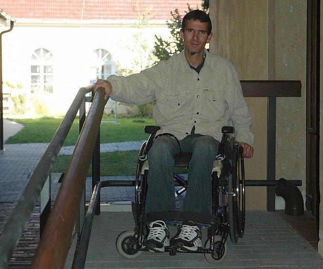 Nemoc upoutala Jakuba Marka na vozík. Přesto žije normálně.