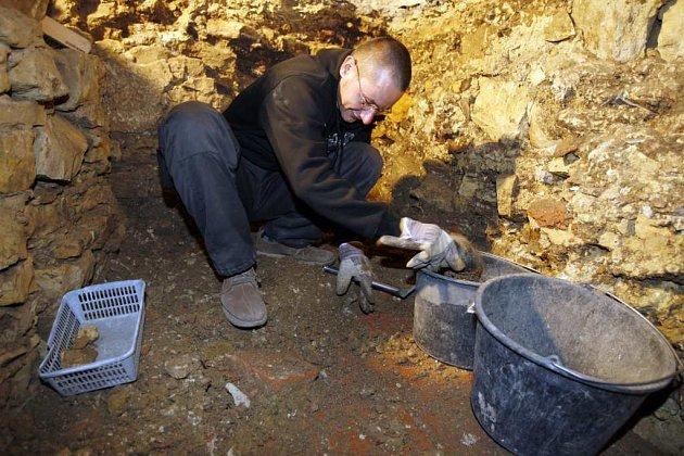 Archeolog - ilustrační foto