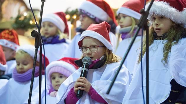 Českolipský dětský sbor pokřtil své sedmé CD.