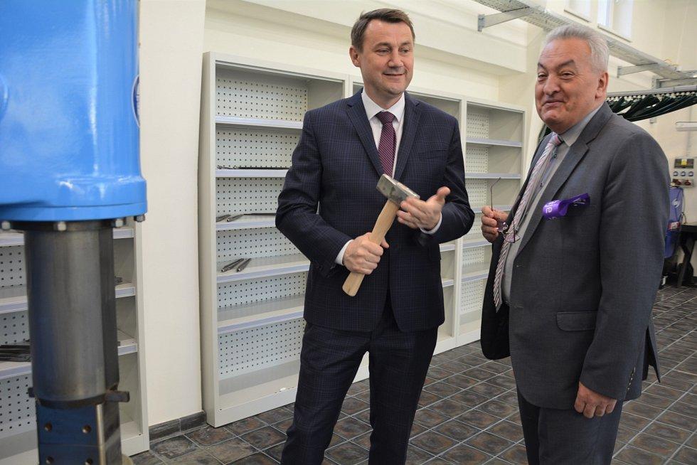 Další z celkových osmi center otevřel Liberecký kraj také na Střední průmyslové škole v České Lípě.