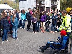 Složky integrovaného záchranného systému se předvedly školákům v Novém Boru.
